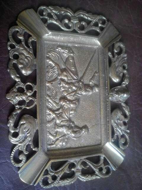Imagen producto Bandeja decorativa de bronce 2