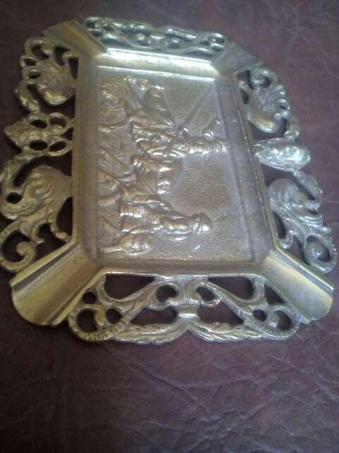 Imagen producto Bandeja decorativa de bronce 4
