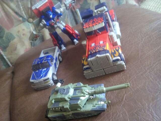 Imagen juguetes serie infantil de Transformers