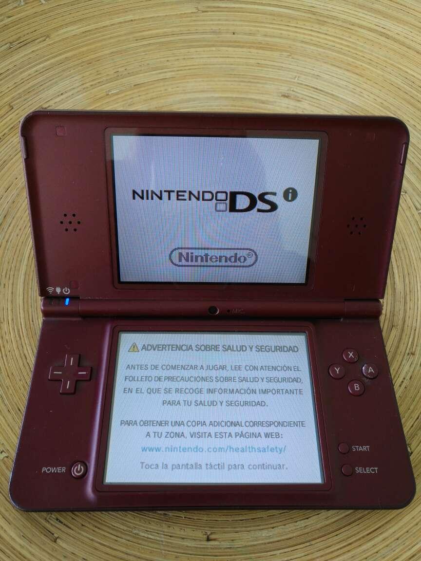 Imagen Consola Nintendo DSi XL - Color Cereza