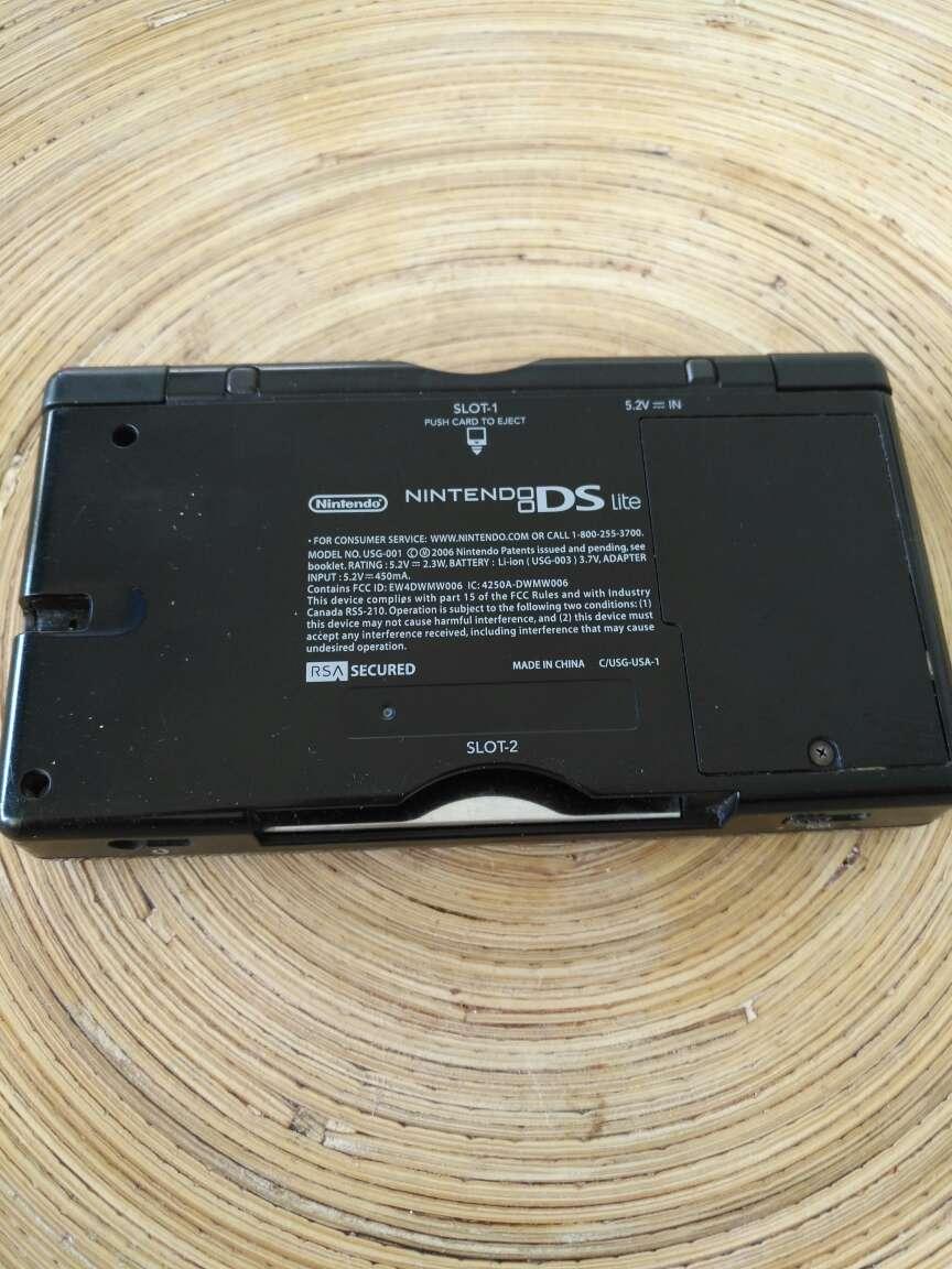 Imagen producto Consola Nintendo DS Lite - Color Azul Cobalto/Negro 3