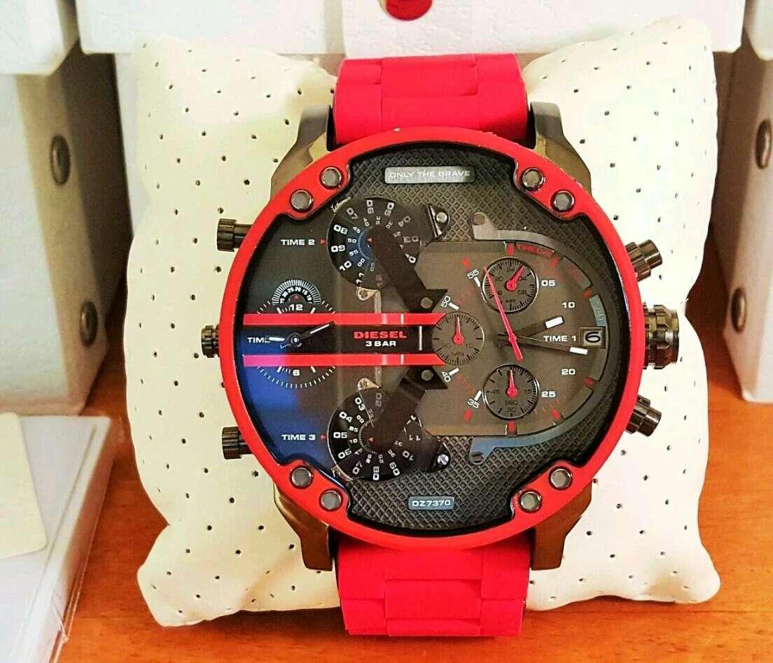 Imagen Reloj Diésel Rojo