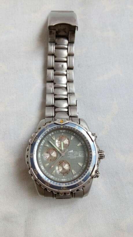 Imagen producto Reloj lotus 4