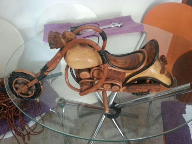 Imagen producto Moto decoracion cope echa en madera y caña muy elegante  3