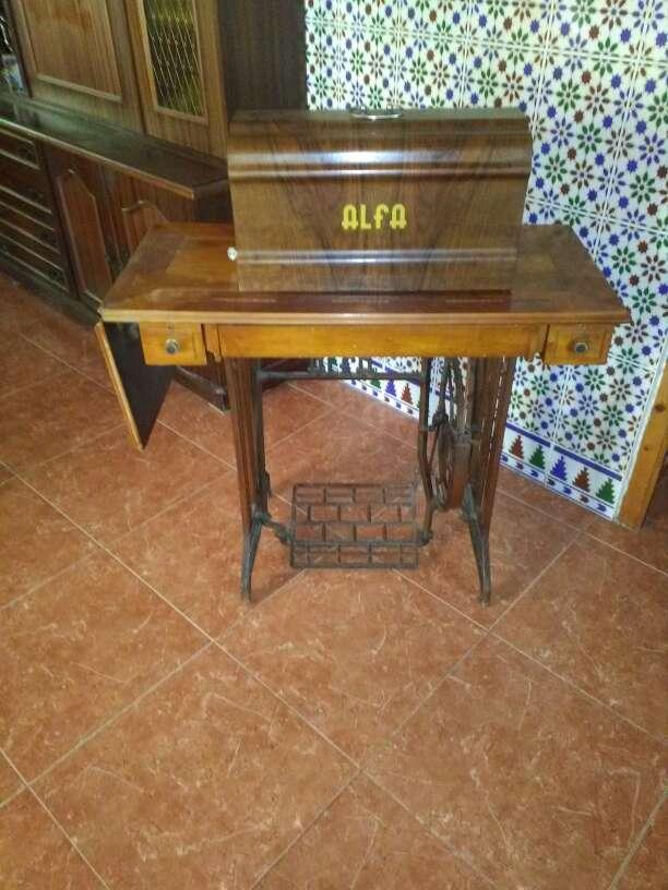 Imagen maquina de coser Alfa