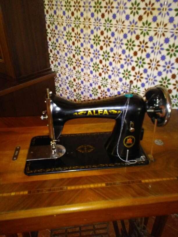 Imagen producto Maquina de coser Alfa 2