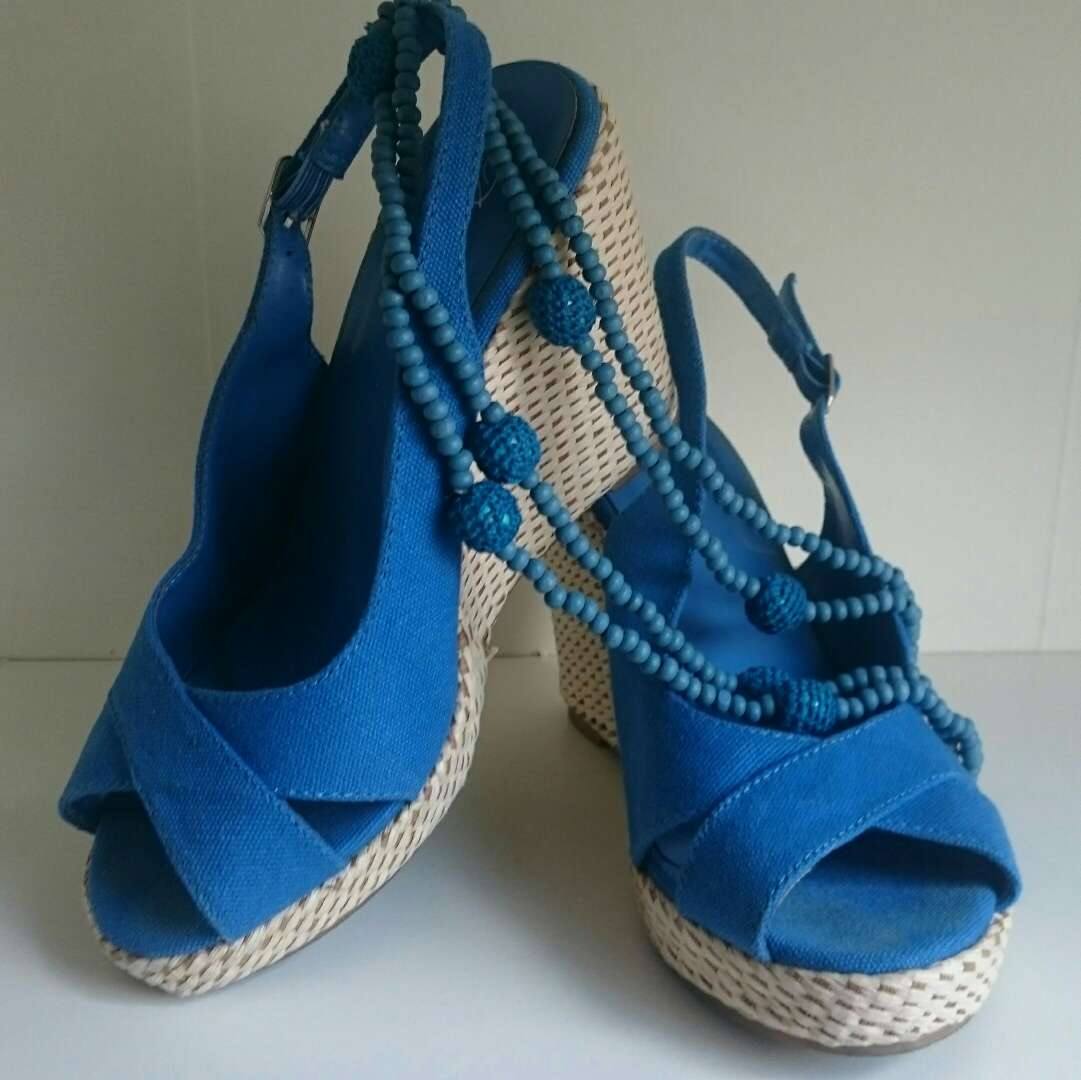 Imagen producto Cuñas mimbre y Collar Crochet azules  4