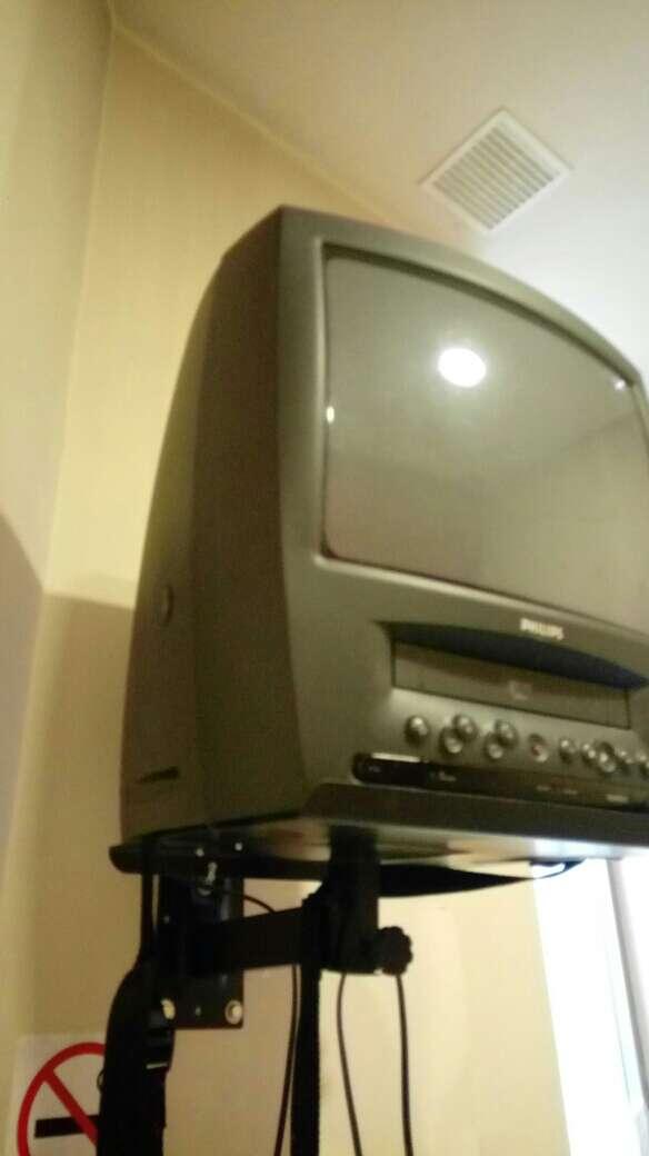 Imagen producto Televisor con regalo de cintas  3