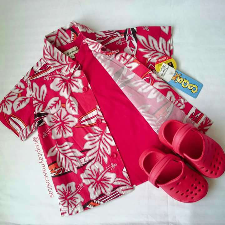 Imagen Camisa Hawaiana Coqui Zuecos tipo Crocs