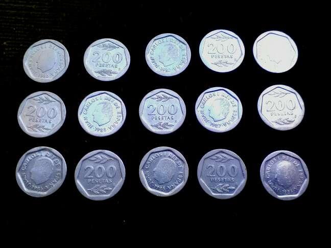 Imagen monedas doscientas pesetas