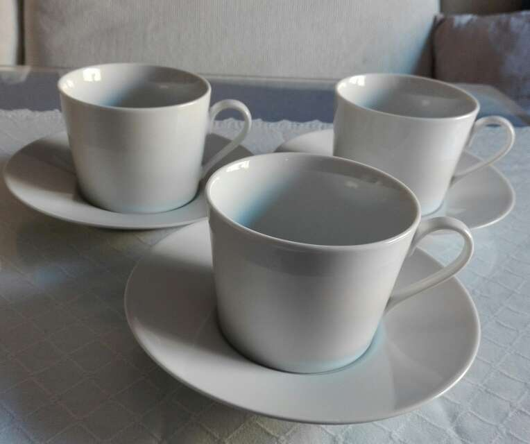 Imagen Tazas grande café con plato