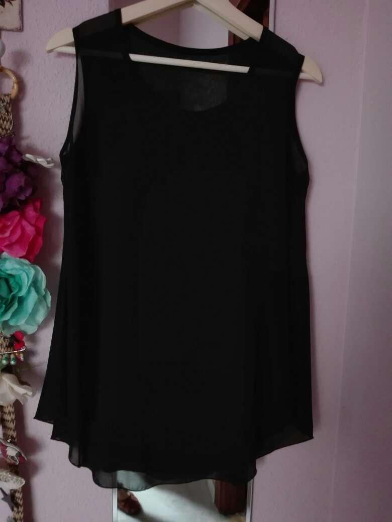Imagen Camisa negra sin mangas