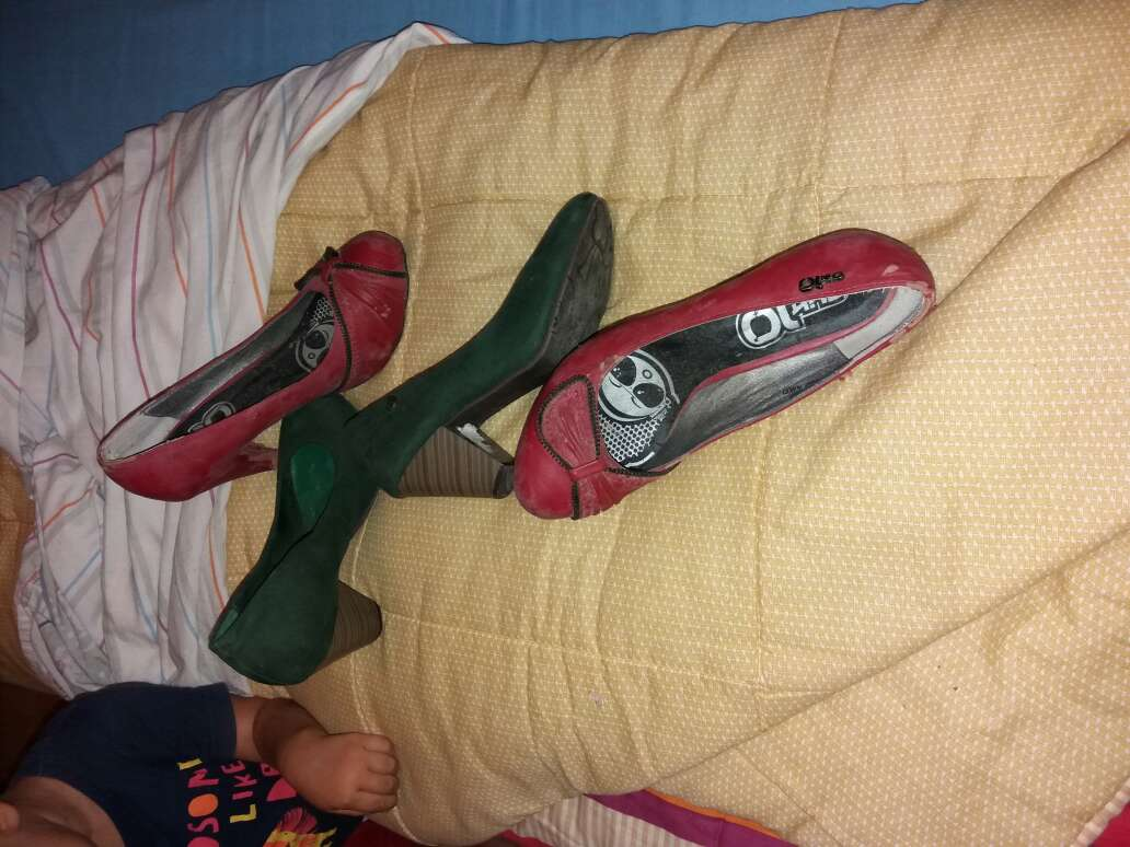 Imagen dos pares de zapatos
