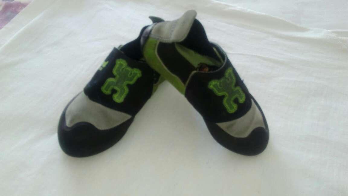 Imagen producto Zapatos escalada de niño  2