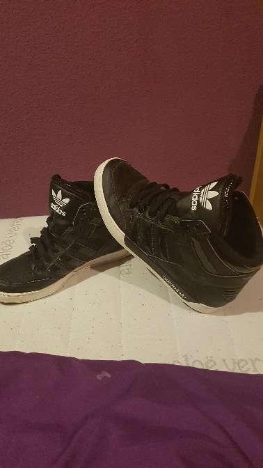 Imagen Zapatillas adidas talla 42