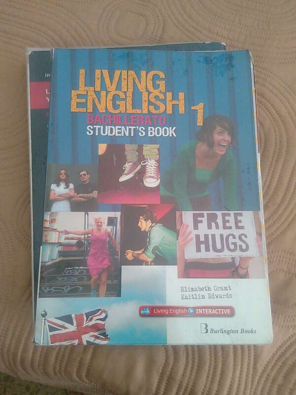 Imagen Living English student's book 1 Bachillerato