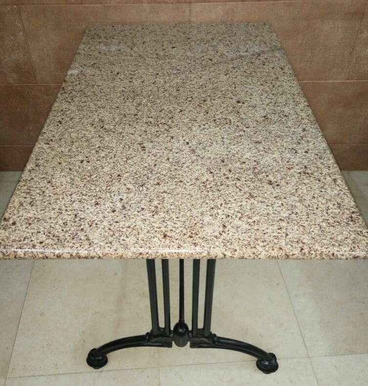 Imagen Mesa de granito rectangular
