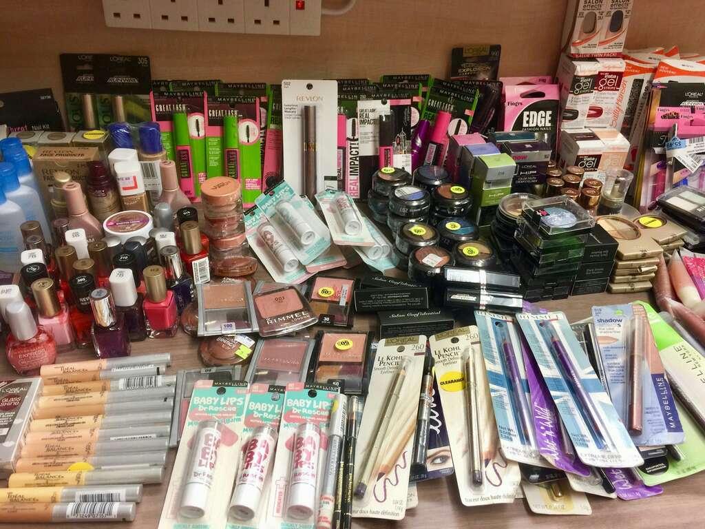 Imagen producto Lotes de maquillaje 2