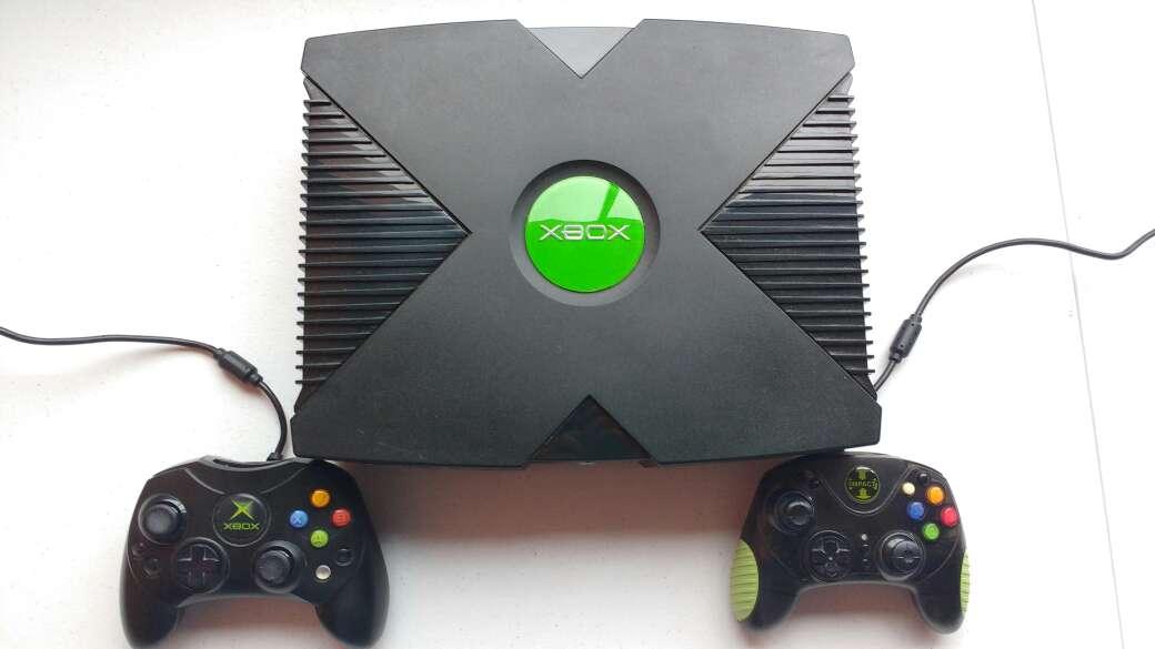 Imagen XBOX 1 Negra + 2 Mandos + Juegos instalados