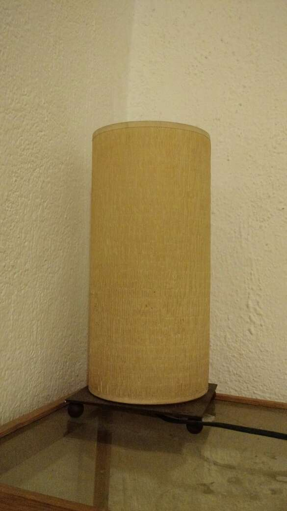 Imagen producto Lámpara de diseño con soporte metálico 2