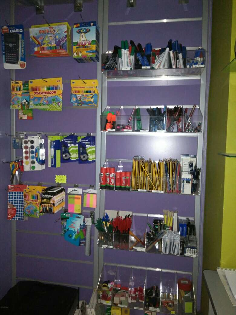 Imagen Mobiliario tienda.