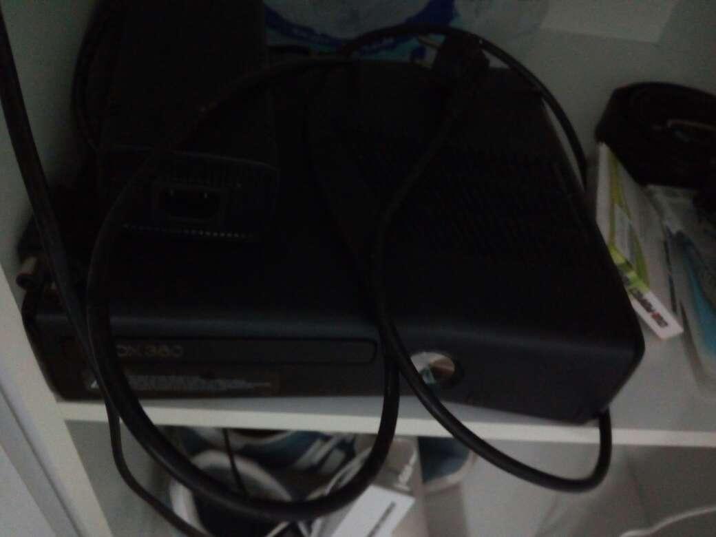 Imagen Consola Xbox 360 slim pirateada