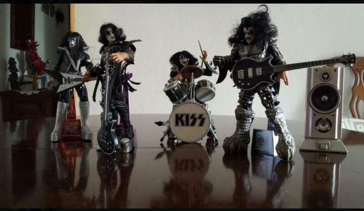 Imagen Kiss.Figuras Macfarlane.