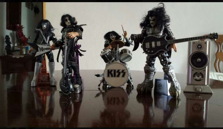 Imagen producto Kiss.Figuras Macfarlane. 4