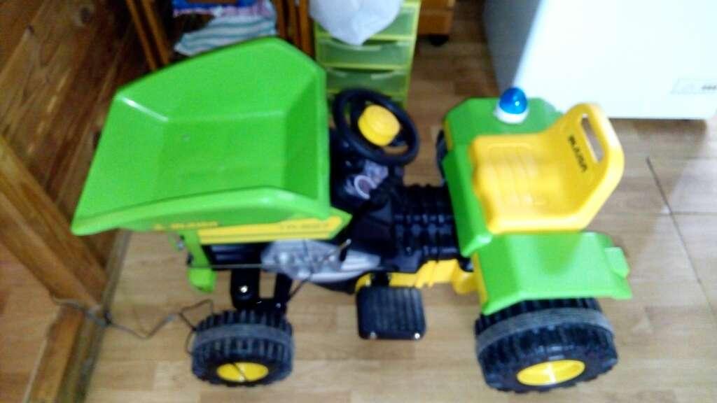 Imagen tractor batería