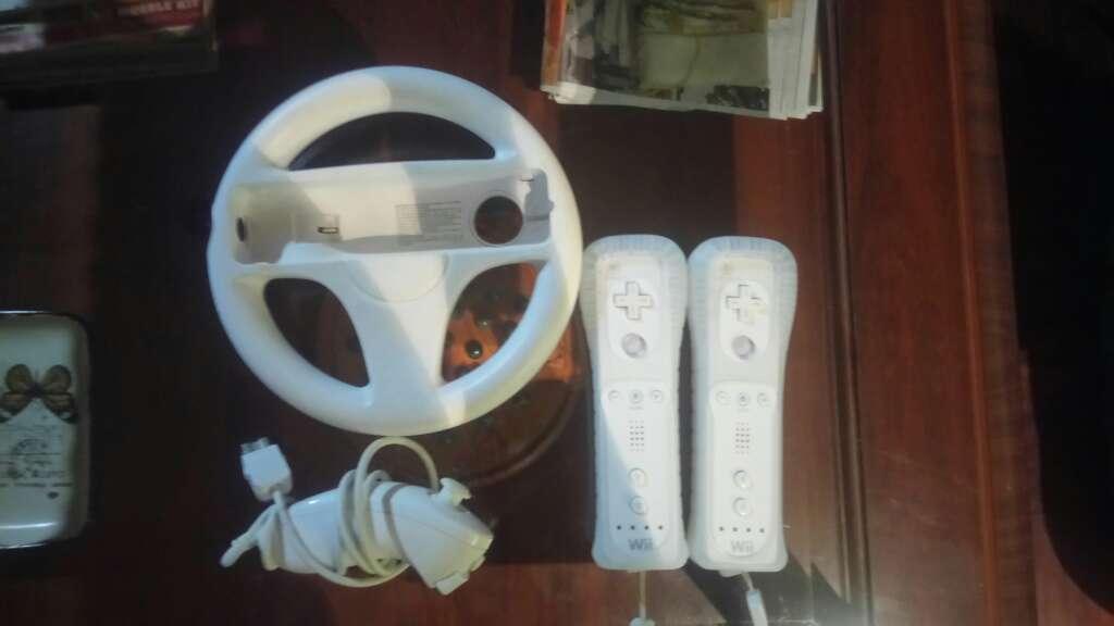 Imagen producto Consola wii con mandos y 6 juegos 3