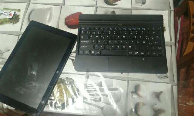 Imagen producto Tablet pc airis seminueva 3