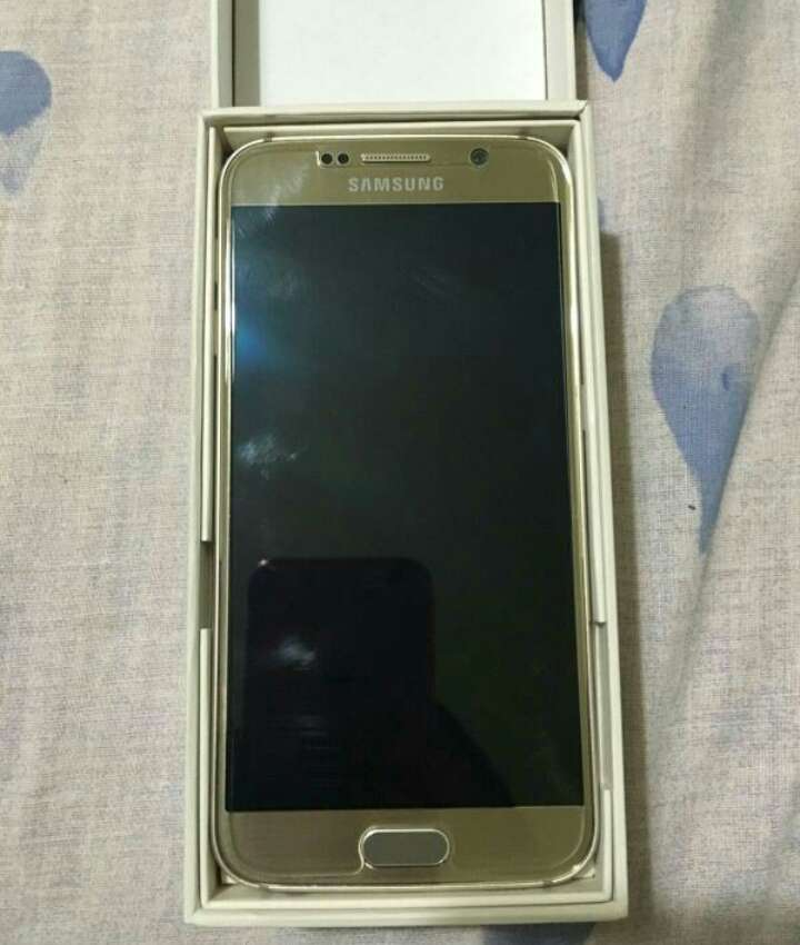 Imagen producto Samsung Galaxy S6 gold 4