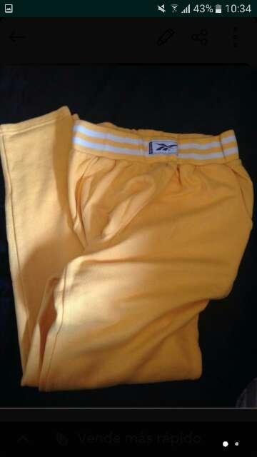 Imagen pantalon chandal Rebook m