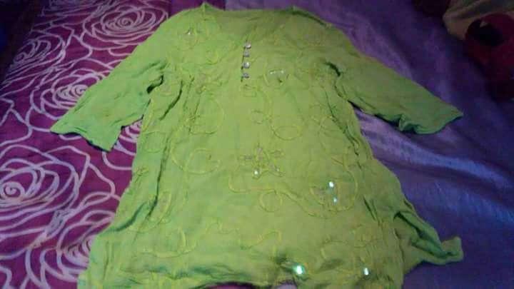 Imagen producto Blusa verde pistachio M/L, 4€ 1