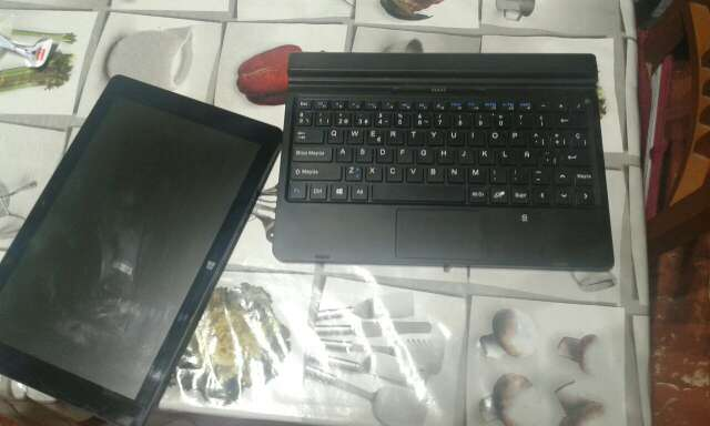 Imagen producto Tablet pc airis 2 en 1 3