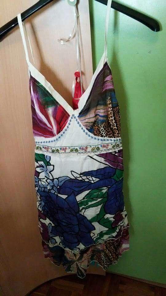 Imagen producto Vestido M, 6€ 1