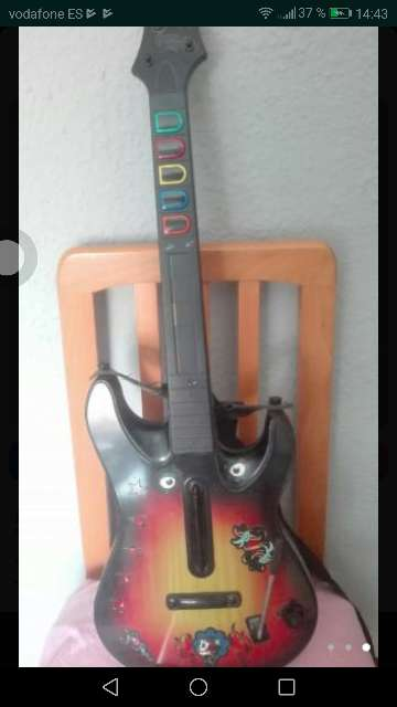 Imagen Se vende juego de guitar hero+ guitarra
