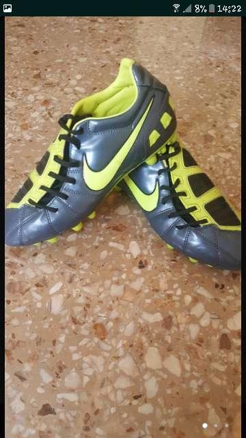 Imagen producto Botas de fútbol nike 1