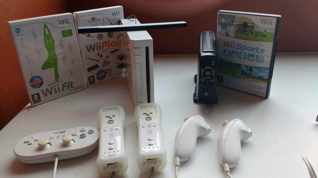 Imagen Wii con más de 200 juegos