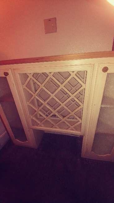 Imagen producto Mueble Cantinero madera es pesada 3