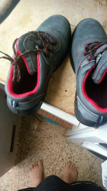 Imagen zapatos de seguridad vestidos de fiesta