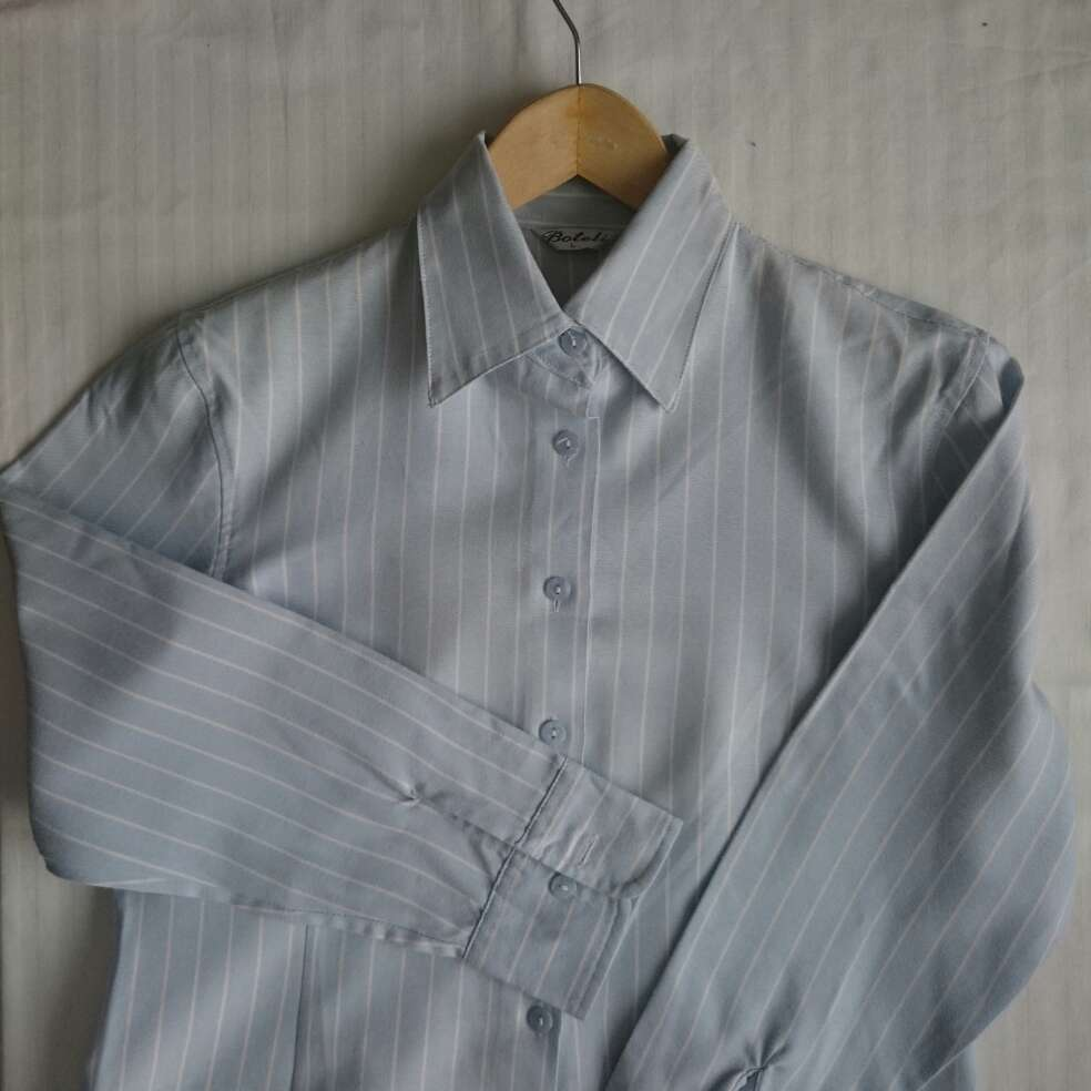 Imagen producto Camisa celeste rayas blancas  4