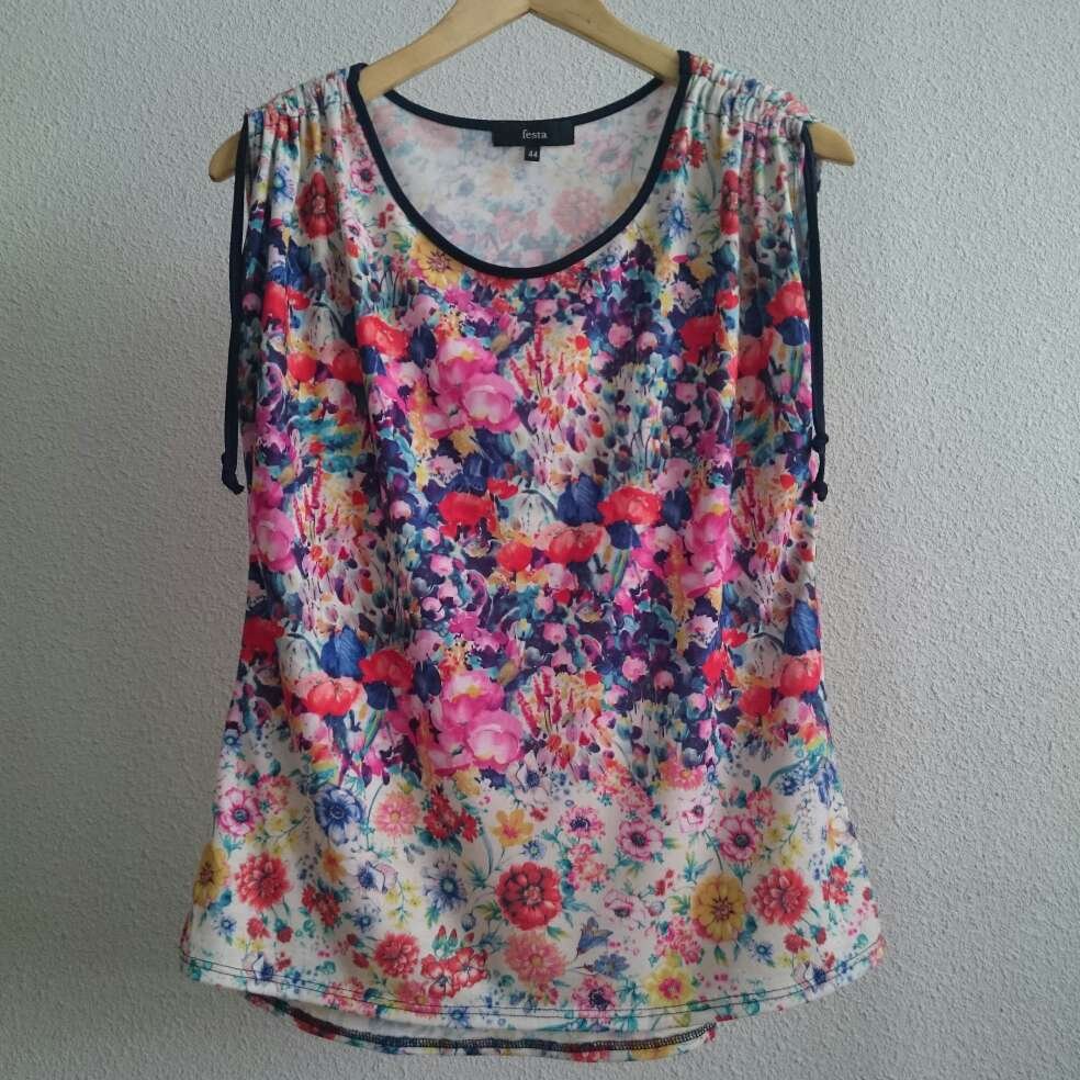 Imagen producto Camiseta flores FESTA  1