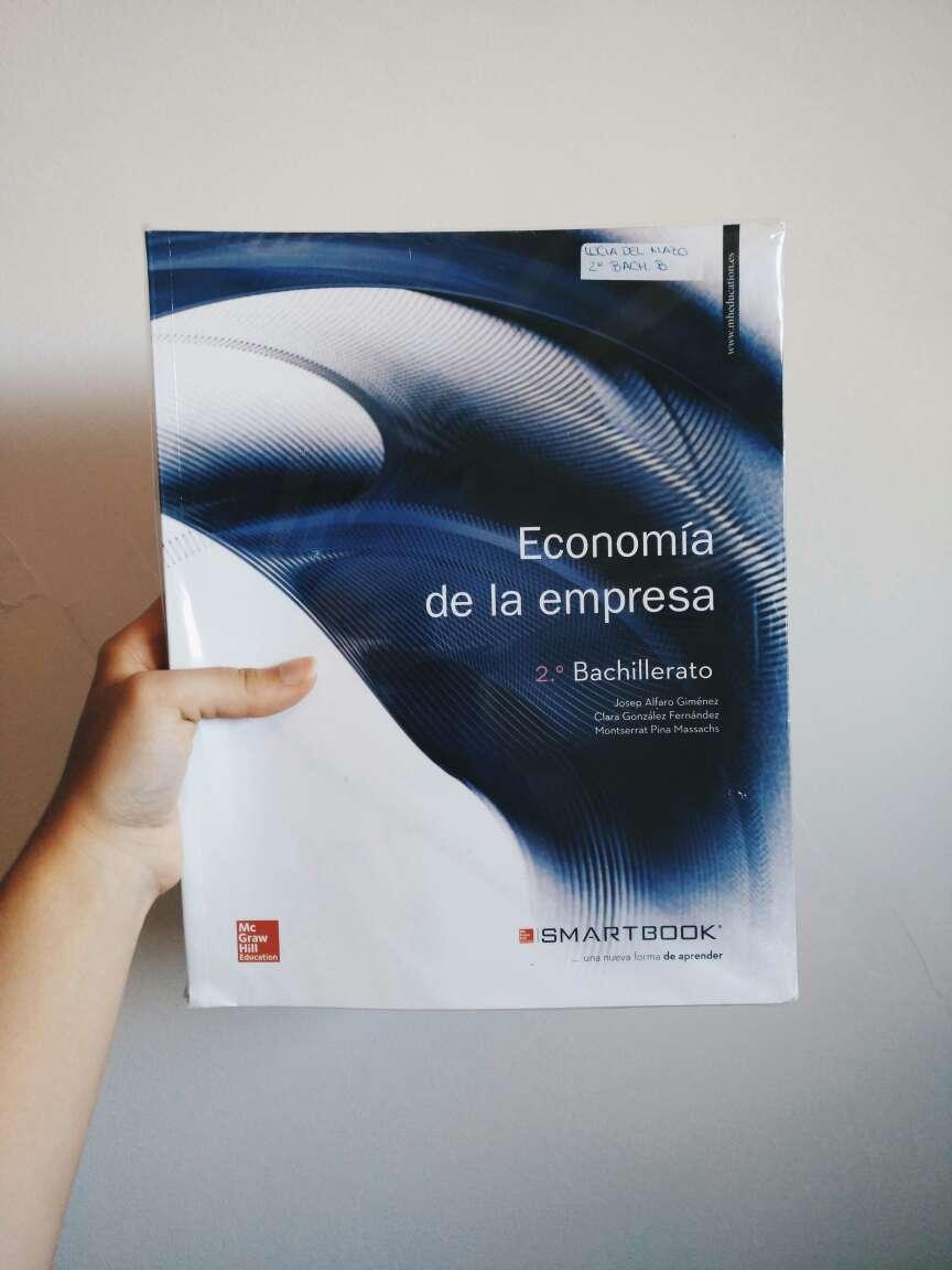 Imagen Libro de Economía de 2° Bach.