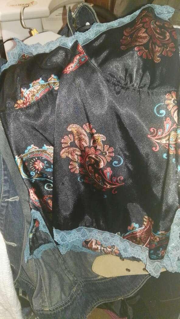 Imagen producto Lote de ropa nueva muy barata. 4