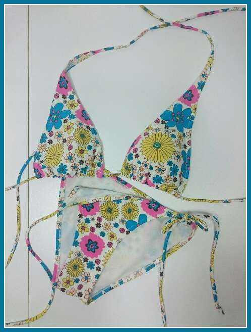 Imagen Bikini flores como Nuevo