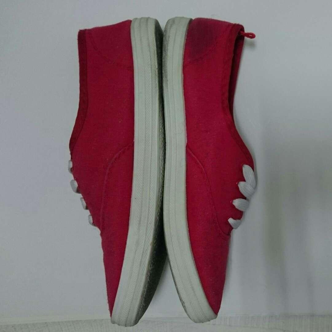 Imagen producto Zapatillas tipo Victoria 3