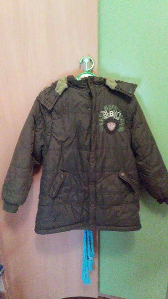 Imagen abrigo verde talla 8/6€