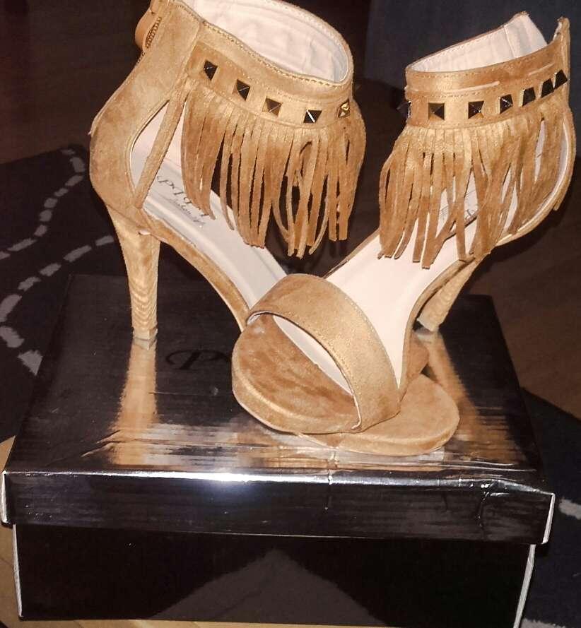 Imagen producto Zapatos usados solo una vez  2