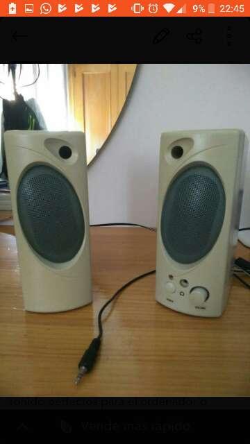 Imagen altavoces amplificadores